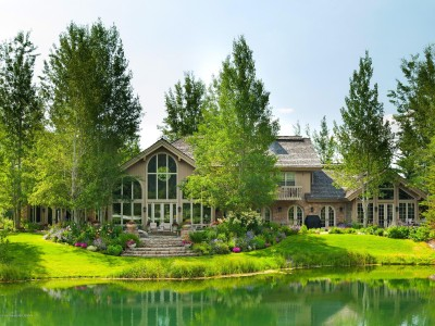 Timeless Teton Pines Estate Image